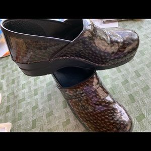 Sanita clogs black/gray/maroon glitter 40